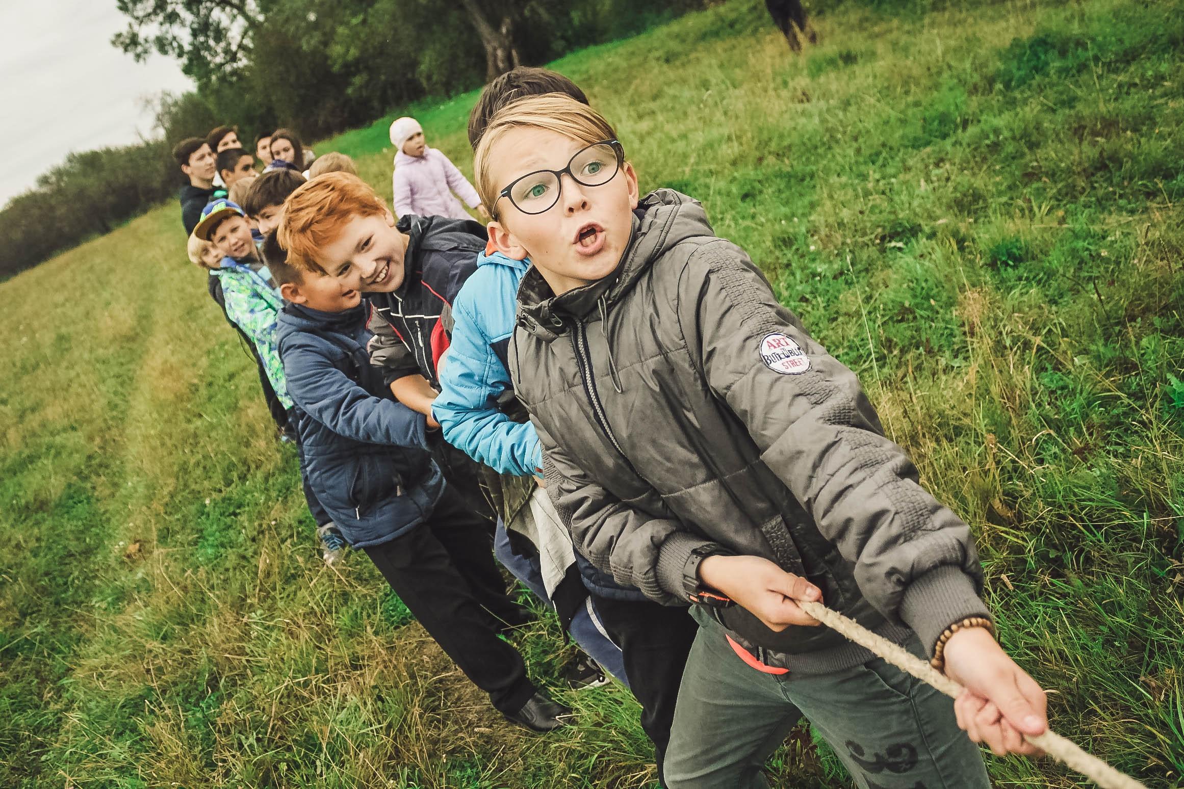 Kinder spielen in Zootzen