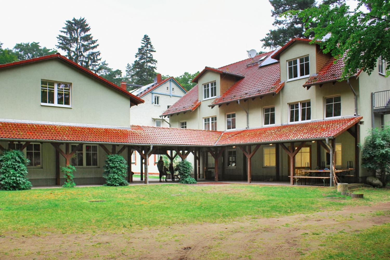 Gesamtansicht Jugendbildungsstaette Waldhof Zootzen